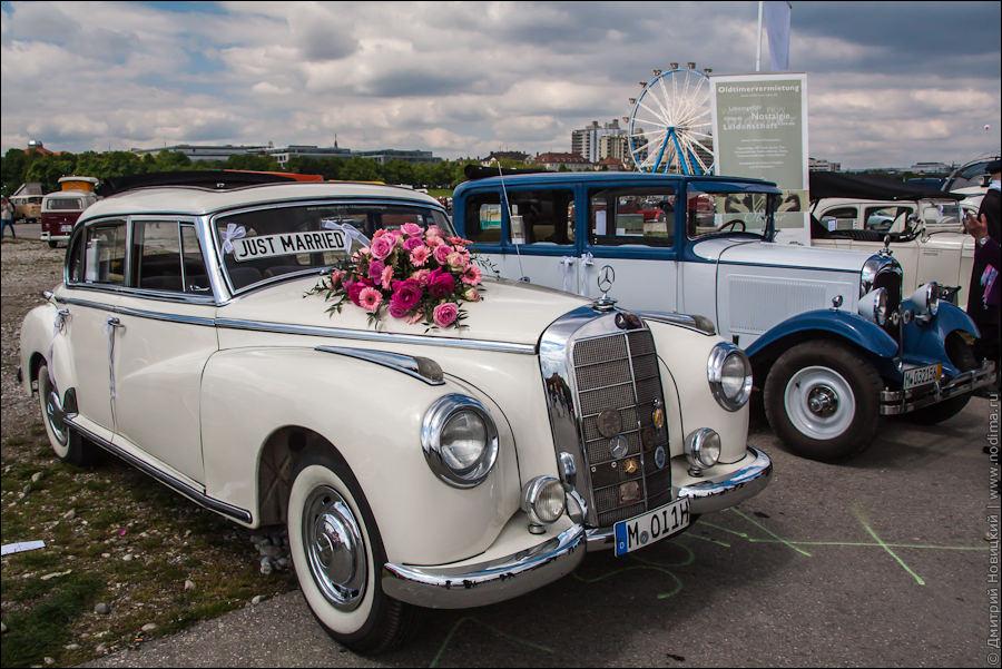 Свадебный старинный автомобиль