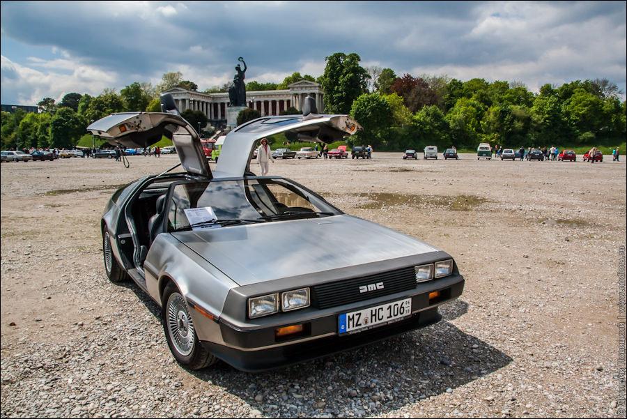 """DeLorean DMC-12 из фильма """"Назад в будущее"""""""